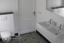 gach bong-gach-nhà-vệ-sinh-10 Hướng dẫn trang trí nhà tắm siêu đẹp bằng gạch ốp lát
