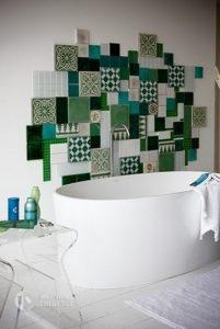 gach bong-gach-bông1-201x300 Những điều cần lưu ý khi chọn gạch ốp trang trí cho nhà tắm